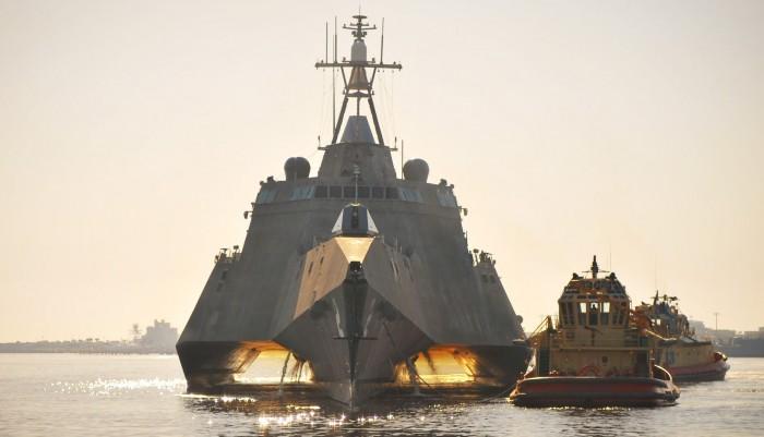Військовий-корабель-USS-Independence-700x401