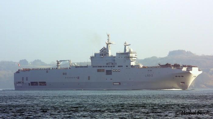 Десантні-кораблі-класу-«Містраль»-700x393