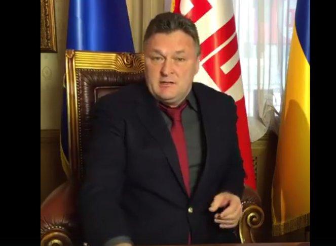 Порошенко, Яценюк и Кличко действуют группой. Почему нет реформ и что делать