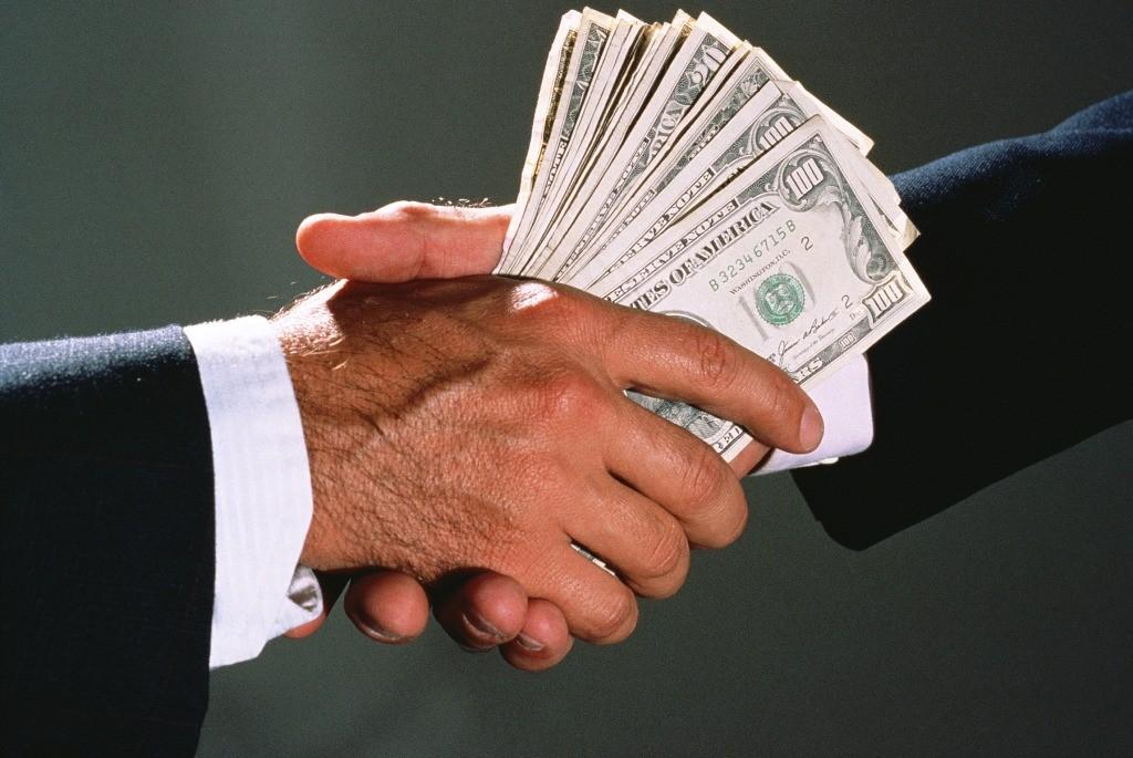 Украина признана более коррумпированным государством, чем Россия